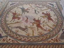 Detalle mosaico de la cacería a caballo